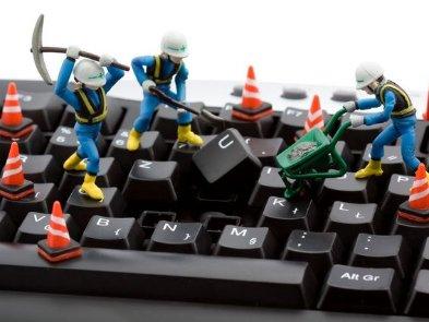 «Многие ли СЕО сокращают себе зарплаты ради сотрудников?» Опрос: что происходит в IT-аутсорсе