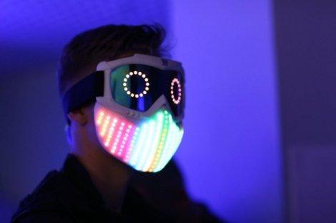 Словно в «Звездных войнах»: 15-летний украинец показал на Web Summit футуристическую маску