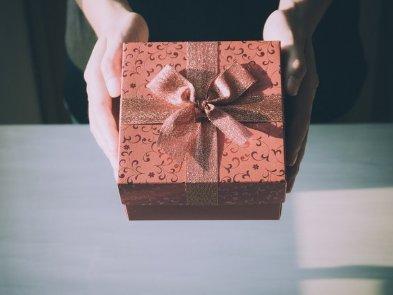 Ніштяки для ньюкамера: 9 ідей, що покласти у welcome box