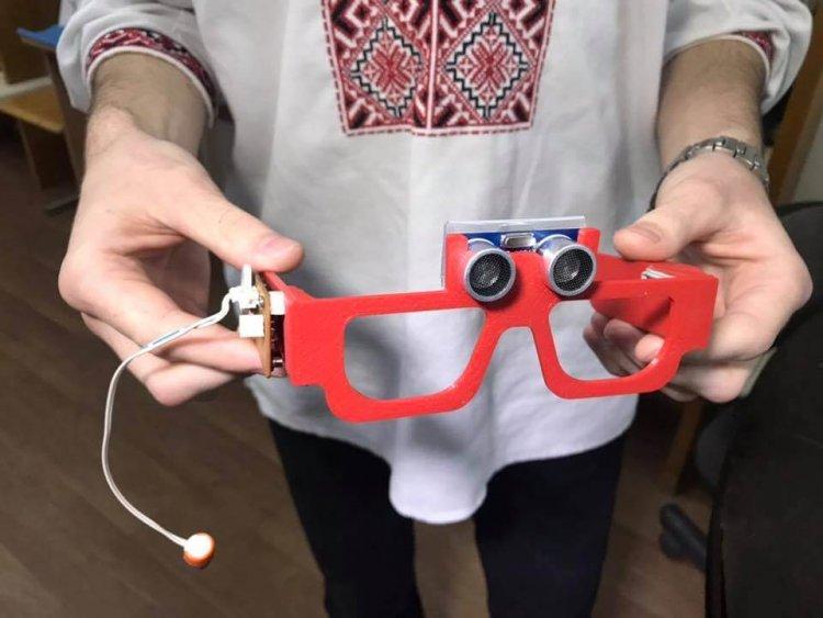 Помощник для незрячих: умные очки