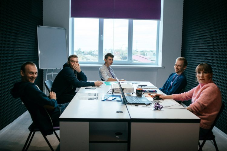 Співбесіда, випробувальний, інтеграція. Як успішно влаштуватись на роботу в компанію – радить команда LinkUp
