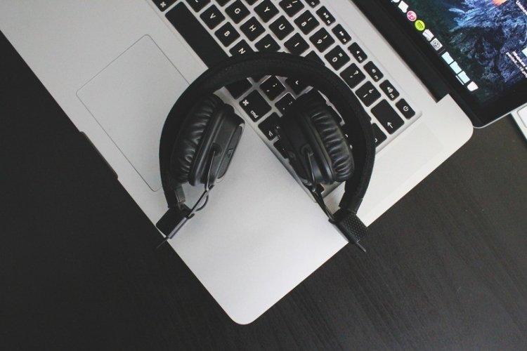 Підбірка кращої музики для кодинга від програмістів з Reddit
