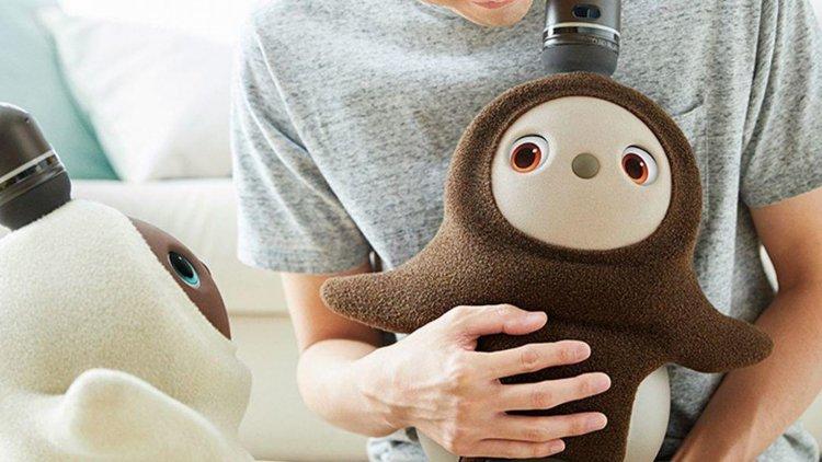 Lovot, обнимающийся робот