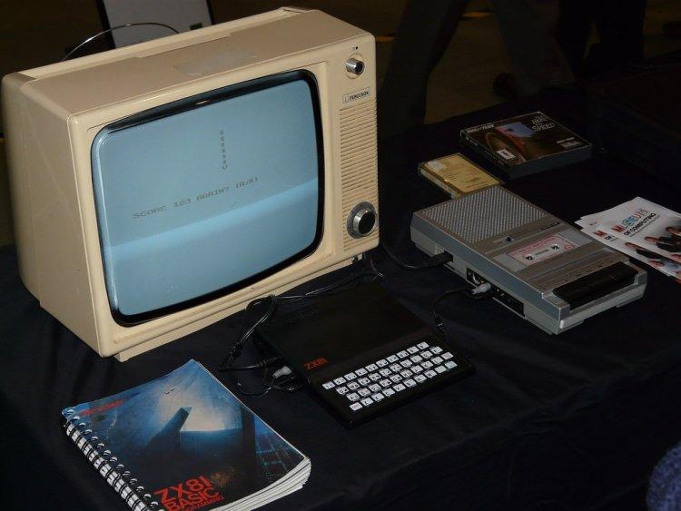 Компьютеры на аудиокассетах. Как это было? Легендарный Spectrum и его львовский клон