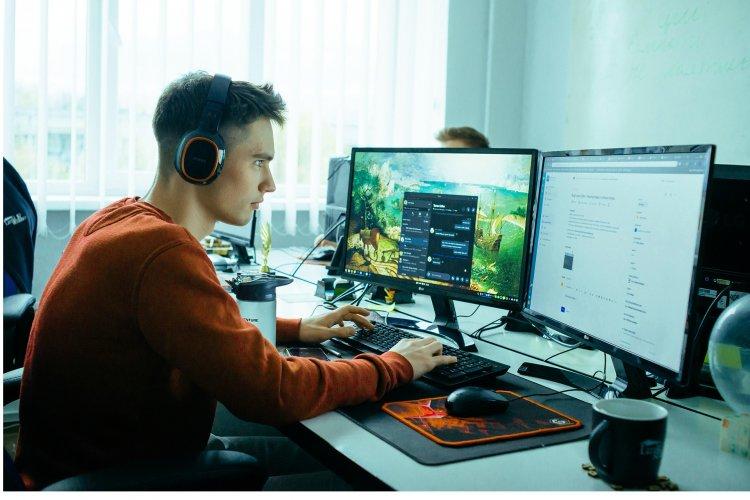 """Як у LinkUp Studio працюють без PM-ів та роблять проєкти """"як для себе"""""""