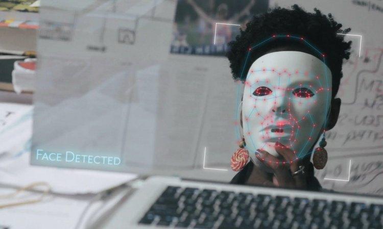 8 новинок кіно про бізнес та технології