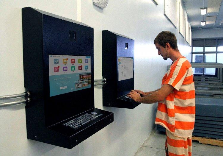 Как зарабатывать миллионы долларов на электронной переписке заключенных: кейс американской компании JPay