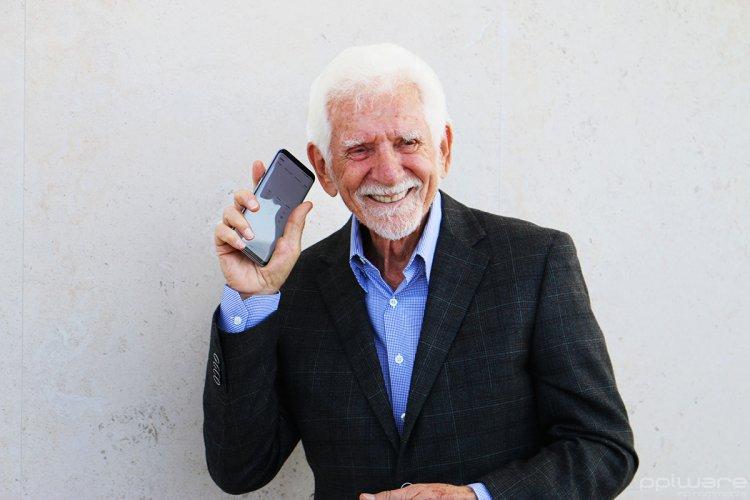 Хто такий Мартін Купер: батько мобільного телефону з українським корінням
