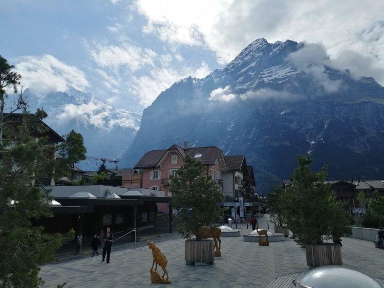 Силіконова долина мертва для розробників. Час переїхати до Швейцарії?