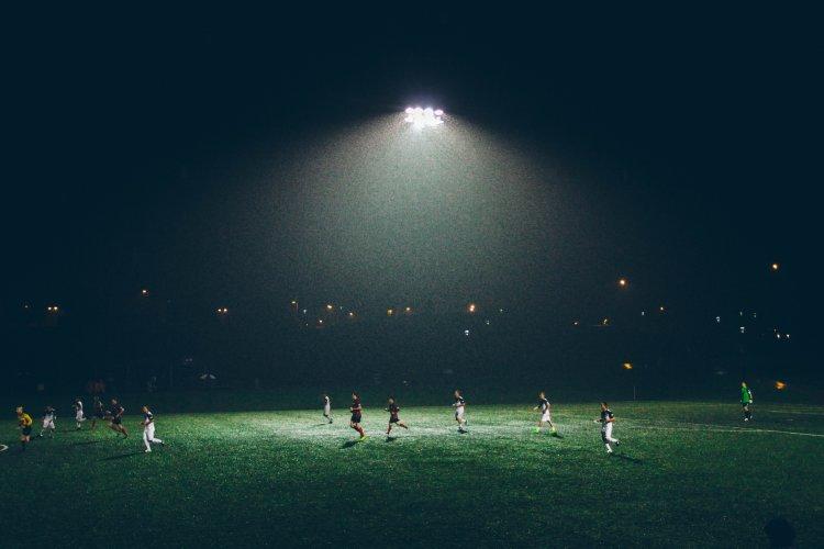 Про розробку програмного забезпечення на прикладі футболу і інших видів спорту.