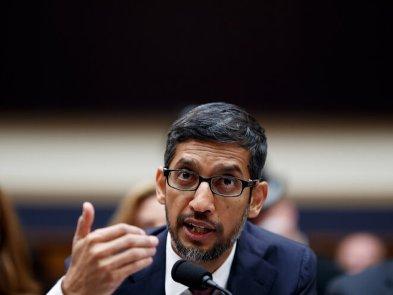 Руководители Google уходят из-за главы компании Сундара Пичаи — он медлит, не рискует и зациклен на мнении общества