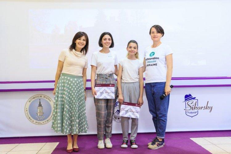 Ці школярки роблять додатки та мріють про Google. Як українським дівчатам залучитися до ІТ