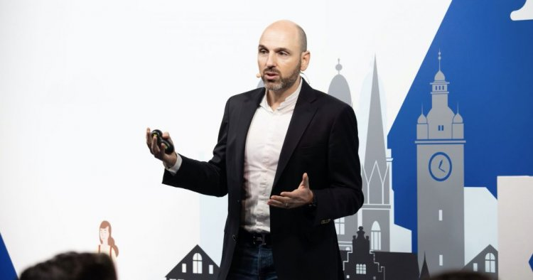 Как ИИ меняет сервисы и помогает людям с ограниченными возможностями — репортаж из офиса Google
