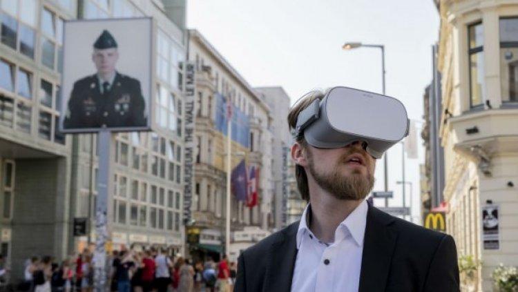 Падіння Берлінської стіни відтворили у віртуальній реальності: відео