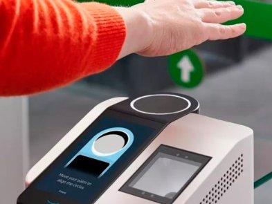 Amazon представила технологию распознавания ладони, которая будет использоваться для бесконтактной оплаты