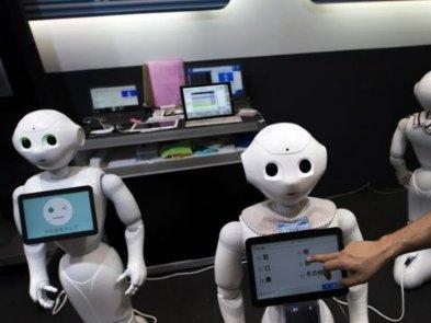 Роботы на основе искусственного интеллекта помогают пожилым людям