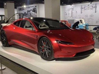Tesla Roadster сможет разгоняться до «сотни» за 1,1 секунды при помощи технологий SpaceX