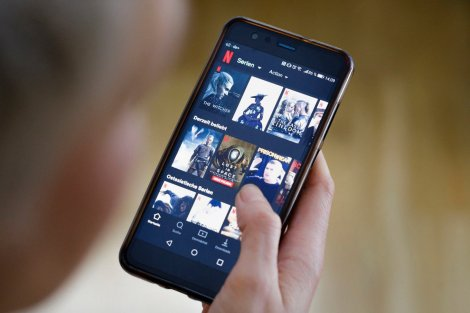 Netflix добавил в приложение Топ-10 самых популярных фильмов и сериалов. Рейтинг составляется ежедневно и отдельно для каждой страны