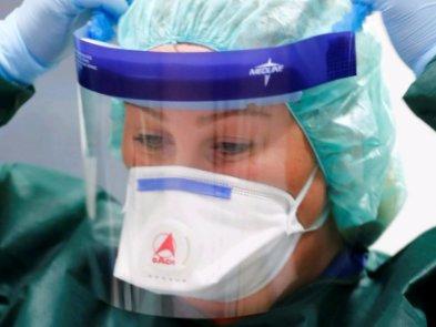 Apple і Facebook жертвують рукавички та маски для боротьби з коронавірусом