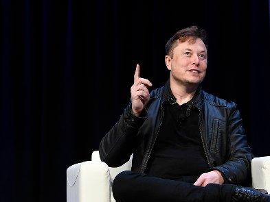 Илон Маск  хотел возглавить Apple