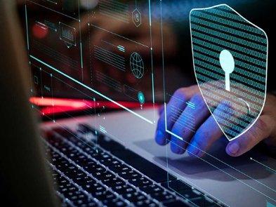 Кіберполіція викрила масштабну шахрайську схему в інтернеті