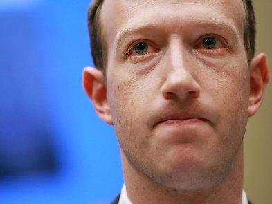 Facebook разрешил избранным пользователям нарушать правила соцсети