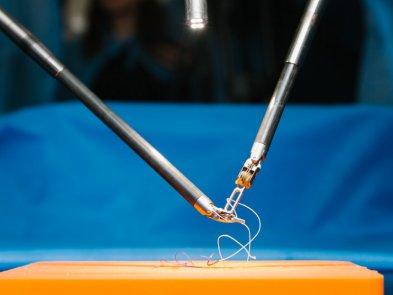 Da Vinci со скальпелем: единственный в Украине робот-хирург провел первые операции в Виннице