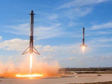 SpaceX запустила 60 супутників на орбіту: відео