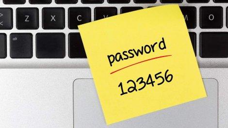 Шахрай продавав логіни та паролі українців до різних інтернет-ресурсів