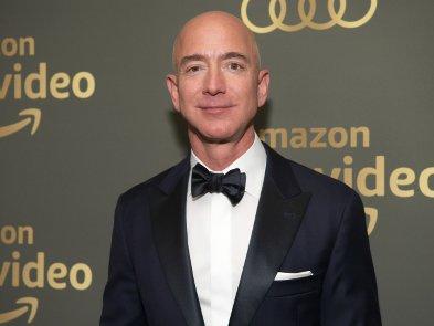 Миллиардер Джефф Безос покинул пост гендиректора Amazon