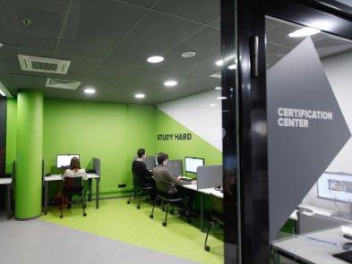 У Харкові запрацював центр здобуття сертифікацій у сфері IT