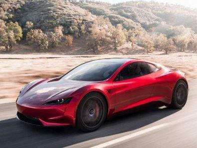 Илон Маск надеется, что Tesla Roadster 2 будет летать