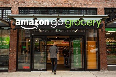 Amazon открыла свой первый крупный бескассовый продовольственный магазин Amazon Go Grocery