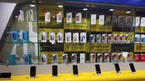 Коронавірус стрімко обвалив ринок смартфонів