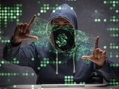 Украинский хакер организовал атаки на банки 11 стран