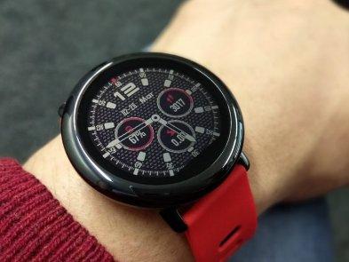 Xiaomi выпустила «умные» часы с GPS, ЧСС и аккумулятором на 420 мАч