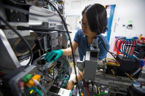ИИ ускоряет обнаружение металлического стекла