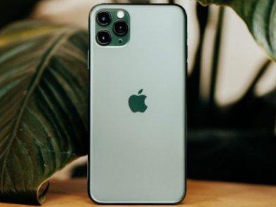 Катастрофа для Apple: продажі iPhone в Китаї впали більш ніж на третину