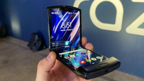 Гнучкий смартфон Motorola Razr можна замовити в Україні: ціна відлякує