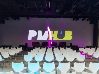 В центре Киева открывается PMHUB  — холл с панорамной террасой и открытой крышей для мероприятий