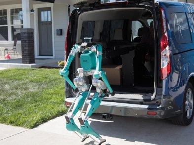 Ходячий робот Ford Digit будет доставлять товары до двери дома