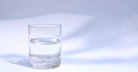 Пейте воду, задержите дыхание — в сети появились фейки про коронавирус. Почему это неправда