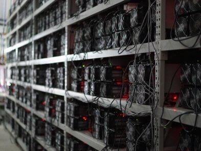 Додатковий підробіток: на Львівській залізниці виявили криптовалютну ферму