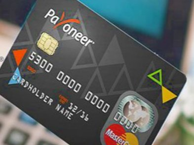 Payoneer заморозил деньги на картах пользователей