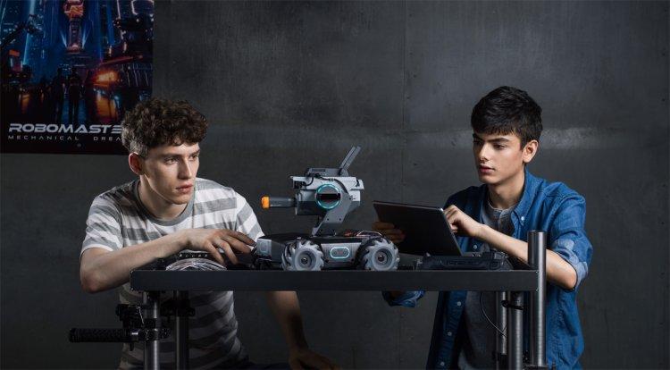 іграшковий бойовий робот RoboMaster S1