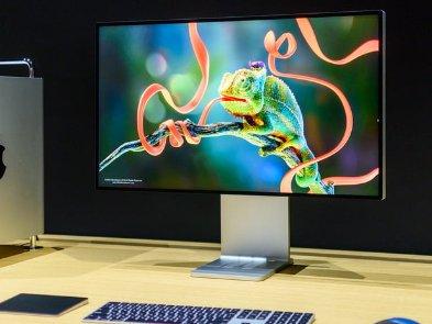 """Дорогий монітор Apple Pro Display XDR вимагає ще й """"коштовного"""" догляду"""