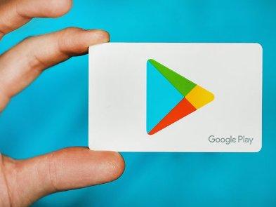 Google видалила 85 заражених додатків з магазину Play Store