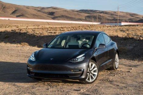 Tesla выпустила обновление для Автопилота, о котором Илон Маск говорит уже несколько лет